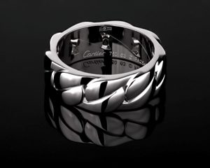 картье кольцо из белого золота