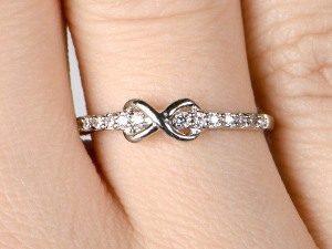 кольцо бесконечность фото
