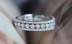 обручальные кольца с бриллиантом фото