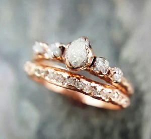 обручальное кольцо с бриллиантом фото