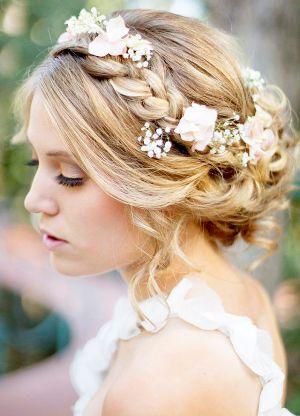 свадебные цветы в волосы
